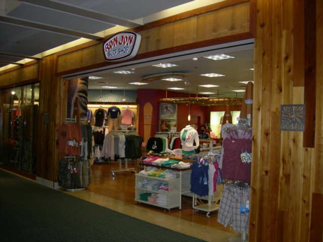 8df0a7ead414 Guide to the Shops at Orlando International Airport